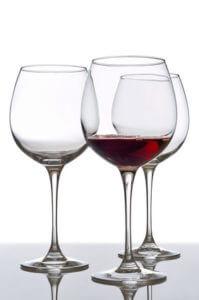 """פורים ואלכוהוליזם: רדיו קול חי עם בוגר רטורנו ומנכ""""ל רטורנו"""